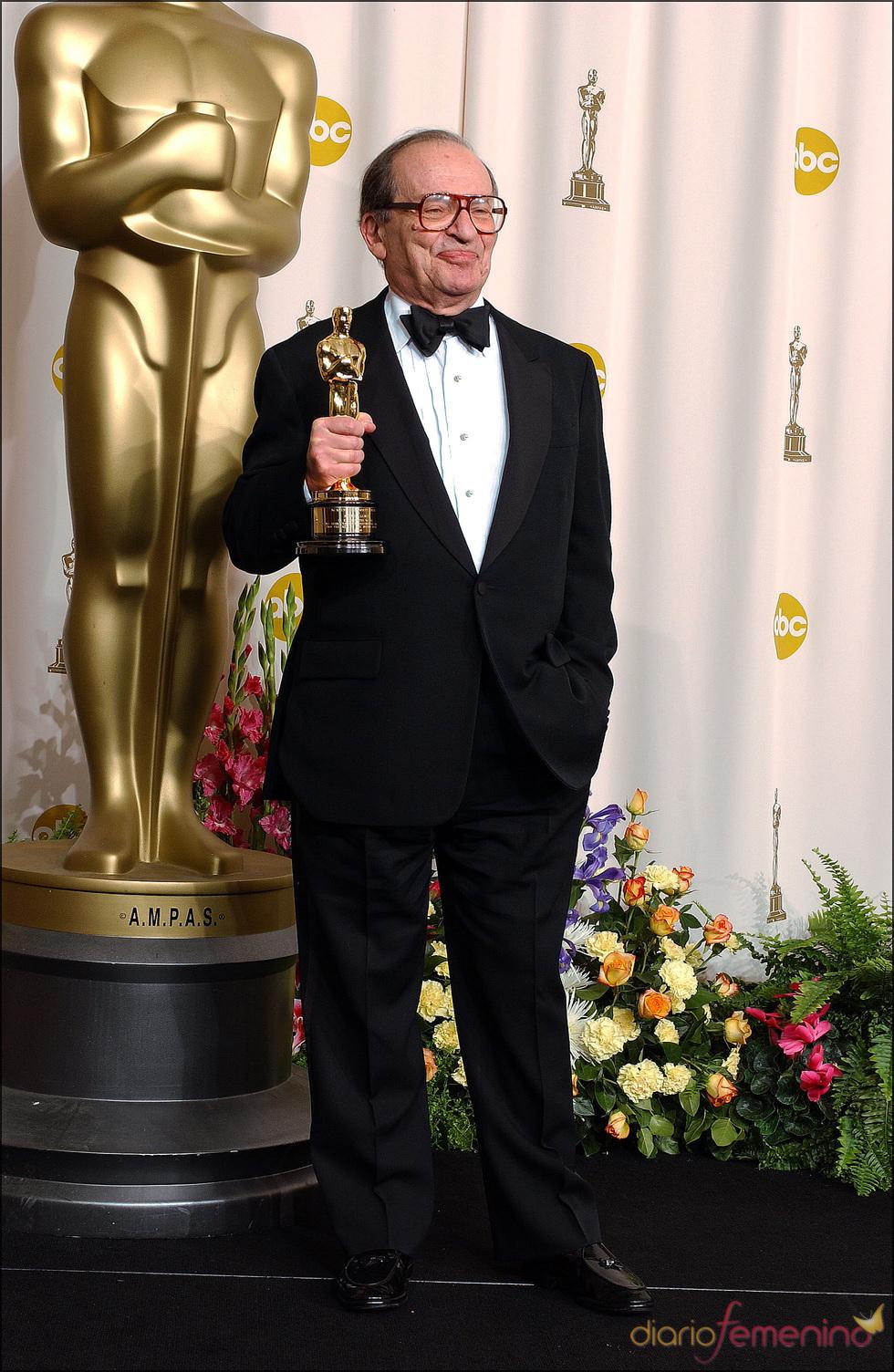 El director de cine Sidney Lumet con su Oscar Honorifico