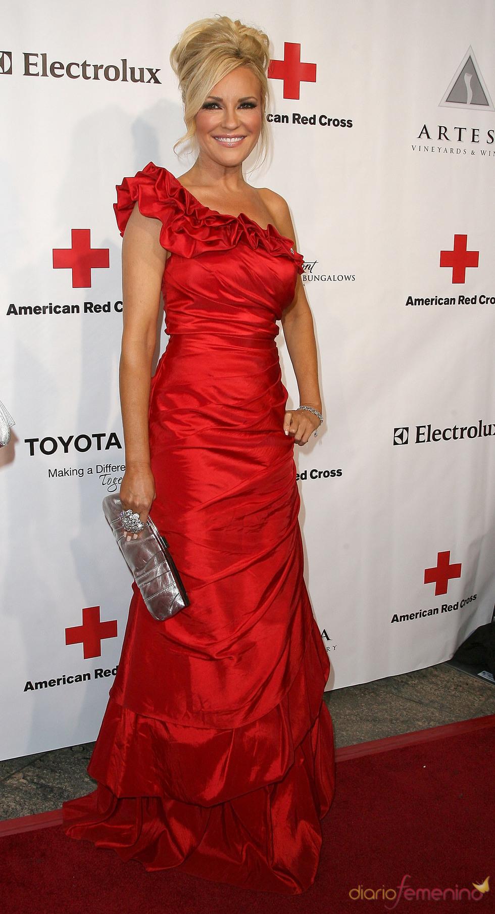 Bridget Marquardt posa en la gala 2011 de la Cruz Roja Americana