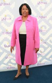 La concejal de Los Ángeles Jan Perry en la Gala Inaugural de la Plaza de la Cultura y las Artes