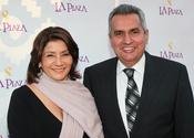 El político Richard Alatorre y su mujer Angie en la Gala Inaugural de la Plaza de la Cultura y las Artes