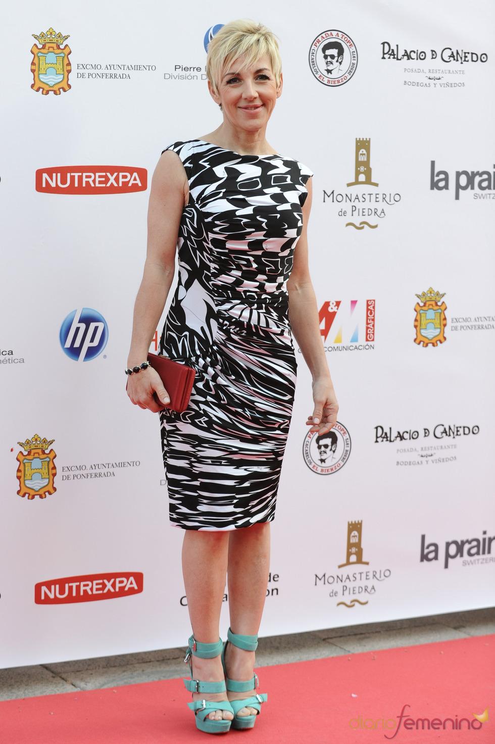 Ana Torroja a su llegada a la gala de los Micrófonos de Oro 2011