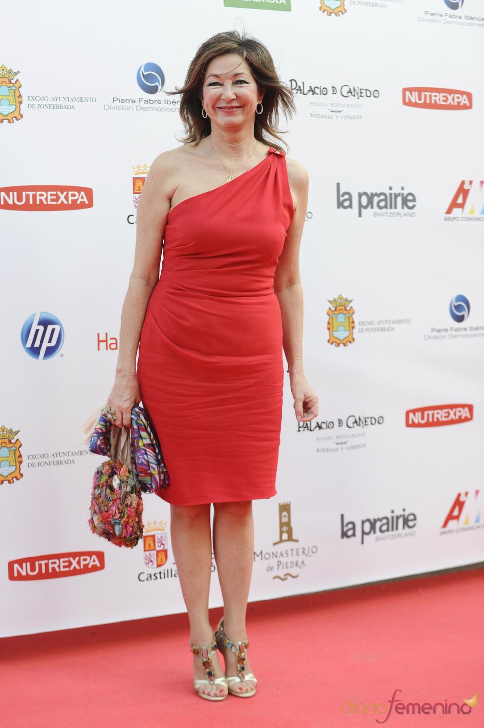 Ana Rosa Quintana a su llegada a la gala de los Micrófonos de Oro 2011