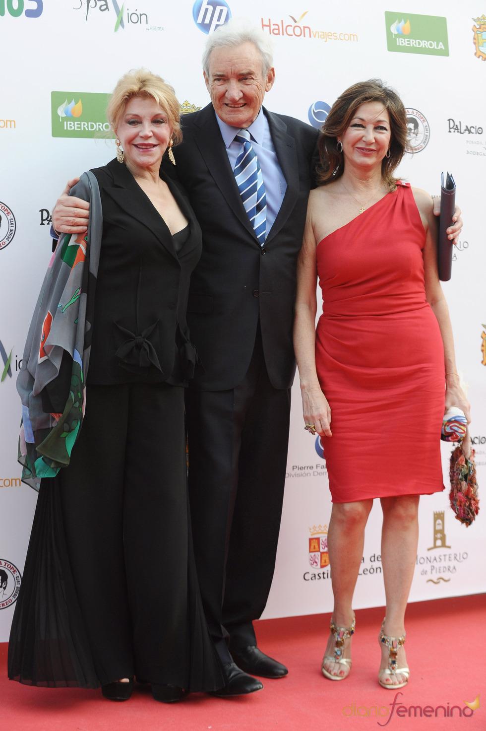 Tita Cervera, Luis del Olmo y Ana Rosa Quintana en los Micrófonos de Oro