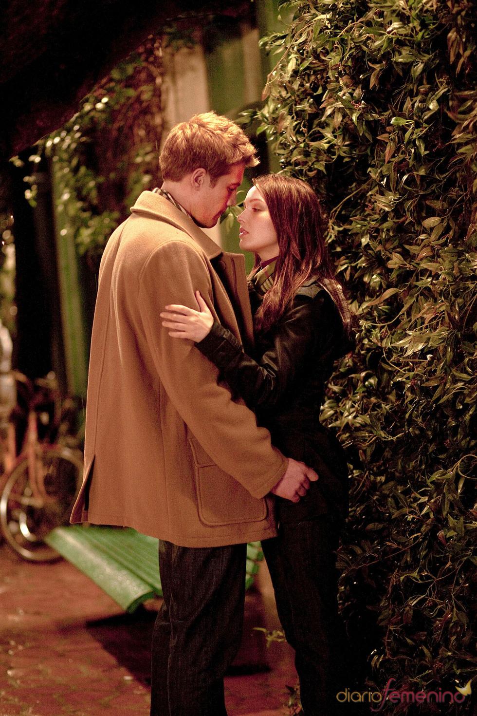 Momento romántico en el biopic Will & Kate