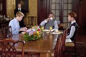 Desayuno de la familia real británica en el biopic Will & Kate