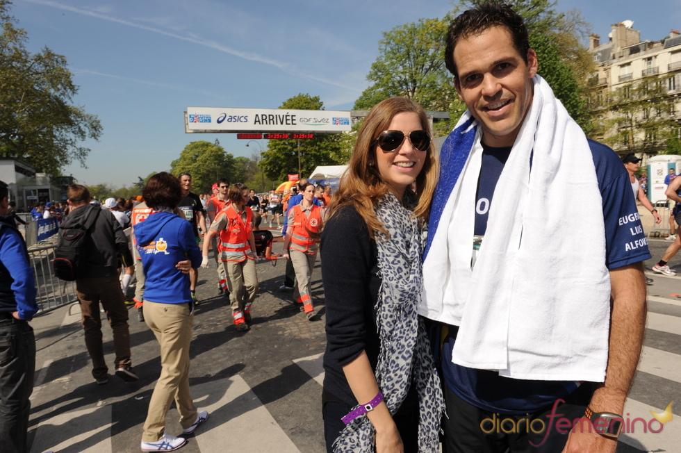 Luis Alfonso de Borbón y Margarita Vargas en una carrera solidaria en París