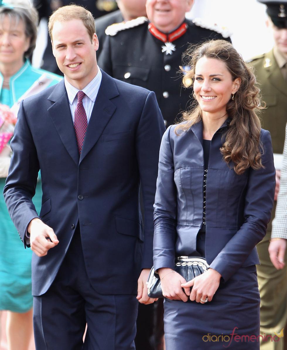 Último acto de Guillermo de Inglaterra y Kate Middleton antes de su boda
