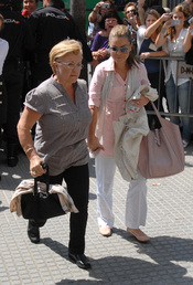 María José Campanario y su madre Remedios Torres llegan a la Audiencia Provincial de Cádiz
