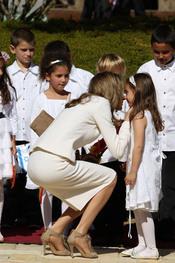 El instinto maternal de la Princesa Letizia en Israel