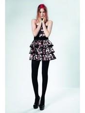 Vestido negro con flores rosas palabra de honor de Top Shop