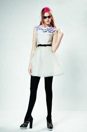 Vestido blanco de lunares para la temporada primavera 2011 de Top Shop