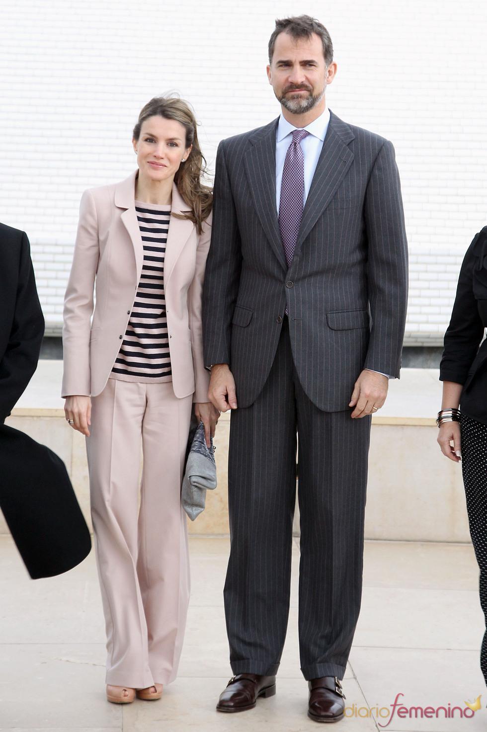 Los Príncipes Felipe y Letizia durante su visita al Museo de Israel