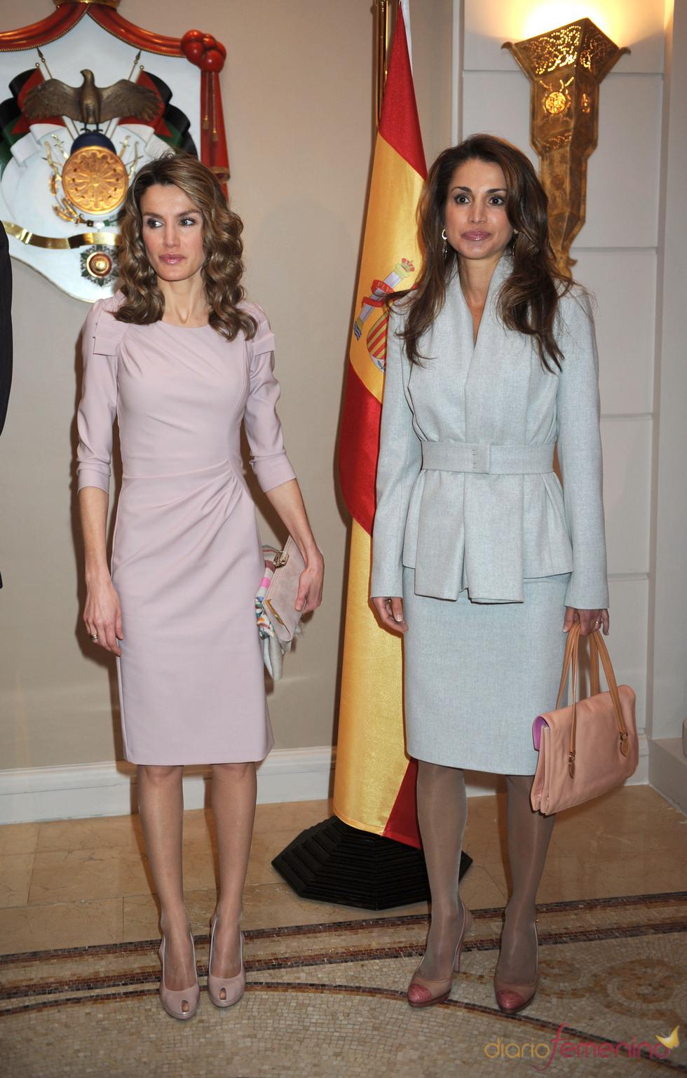 La elegancia de Rania de Jordania y la Princesa Letizia