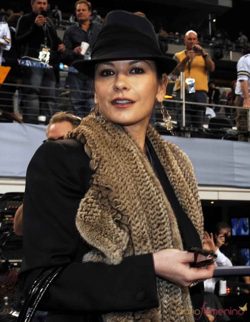 Catherine Zeta-Jones ingresa en un centro psiquiátrico