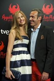 Martina Klein y Álex Corretja en la premiere de 'Águila Roja'