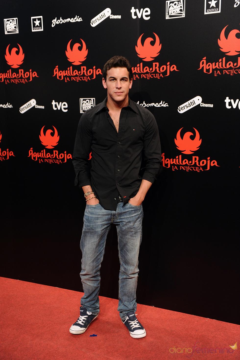 Mario Casas en la premiere de 'Águila Roja' en Madrid