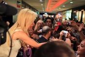 Belén Esteban se da un baño de multitudes en Málaga