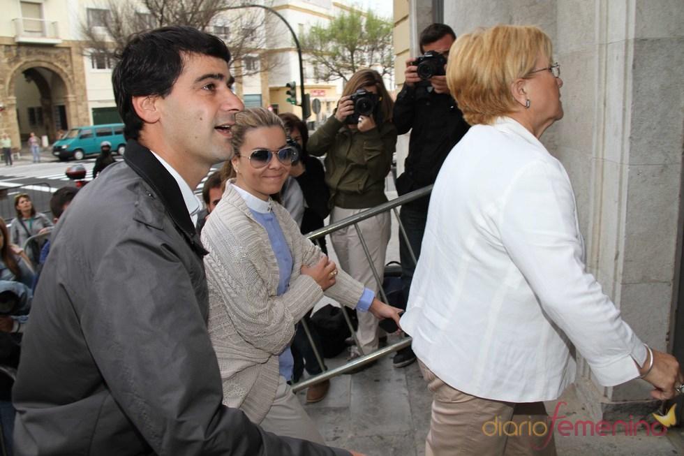 María José Campanario, Remedios Torres y Jesulín a su llegada al juicio por la 'Operación Karlos'