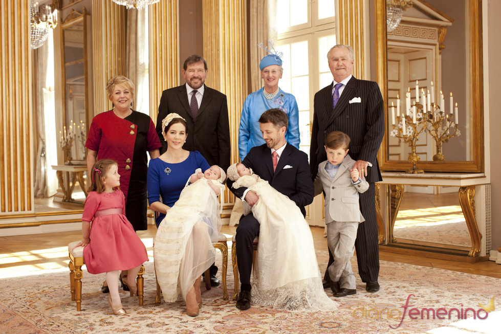 Foto familiar del bautizo de los mellizos de Mary Donaldson y Federico de Dinamarca