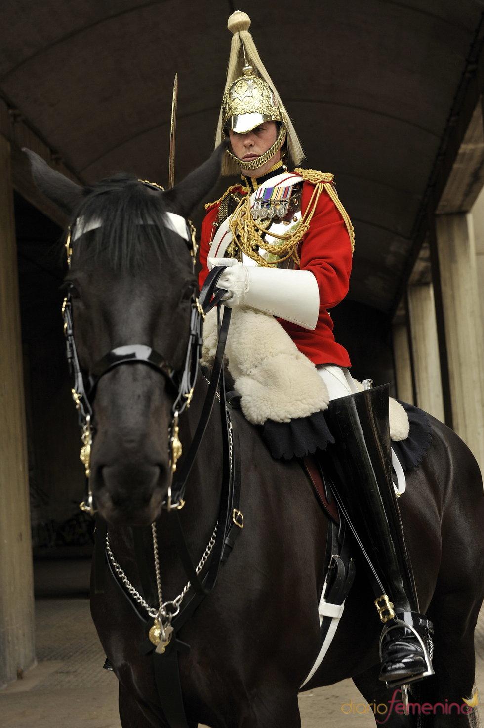 Uno de los soldados del desfile de bodas del príncipe Guillermo y Kate Middleton