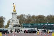 La zona del Palacio Real preparada para la boda entre el Príncipe Guillermo y Kate Middleton