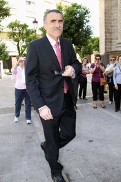 El presentador Juan y medio en la boda de la hija de Bertin Osborne