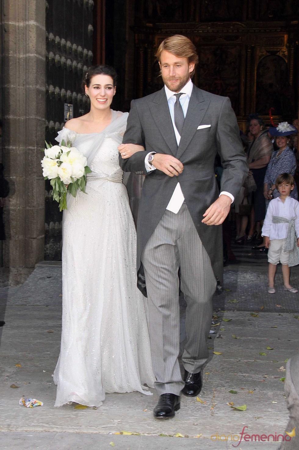 La hija de Berín Osborne con su marido Juan el día de su boda