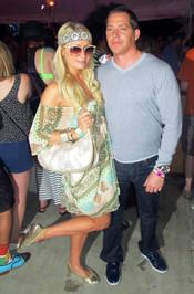 Paris Hilton se divierte en el Festival de Coachella 2011
