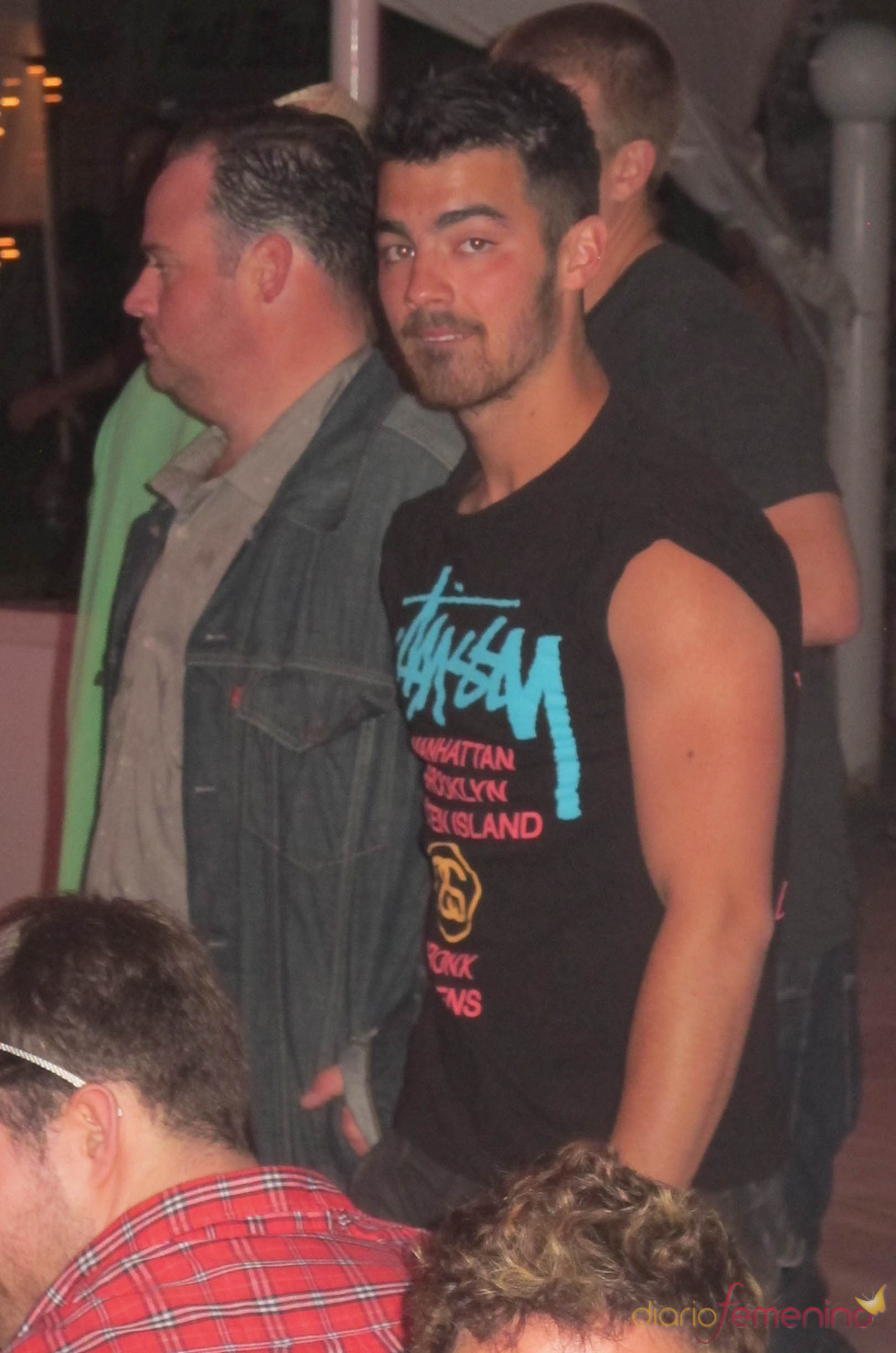 Joe Jonas en el segundo día del Festival de Coachella 2011