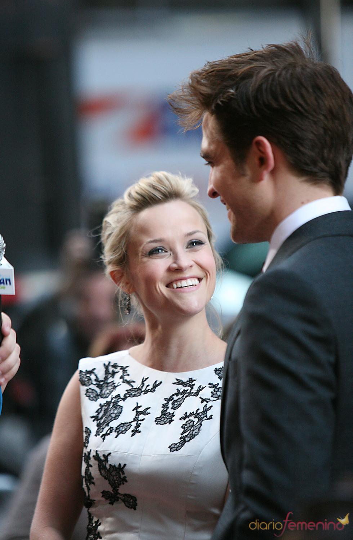 Robert Pattinson y Reese Whiterspoon, cómplices en el estreno de 'Agua para elefantes' en Nueva York