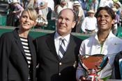 Nafa Nadal con Alberto de Mónaco y su prometida Charlene Wittstock en Montecarlo