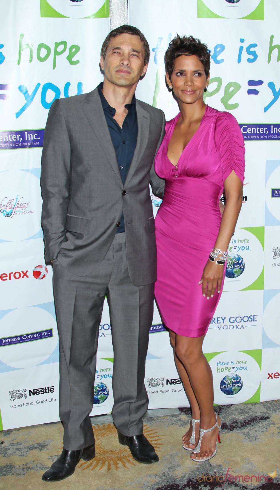 Halle Berry y Olivier Martínez en la gala Silver Rose de Los Angeles