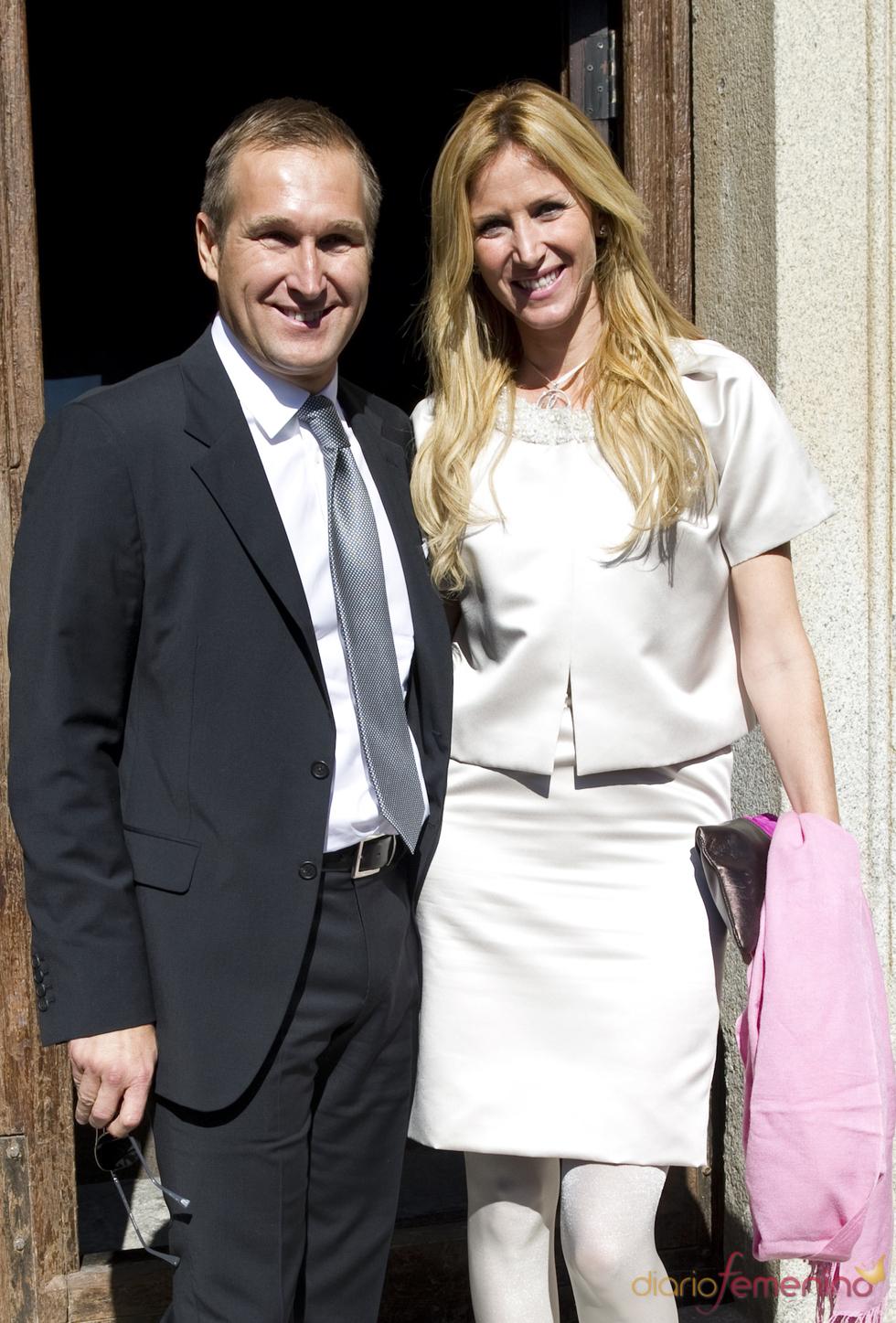 Alejandra Prat y su marido Juan Manuel Alcaraz en el bautizo de Eric Thyssen
