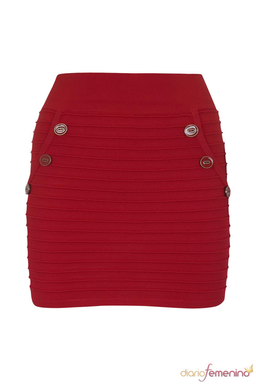 Falda roja de la colección de primavera de Blanco 2011