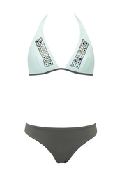 Bikini con pedrería de Goldenpoint para el verano 2011