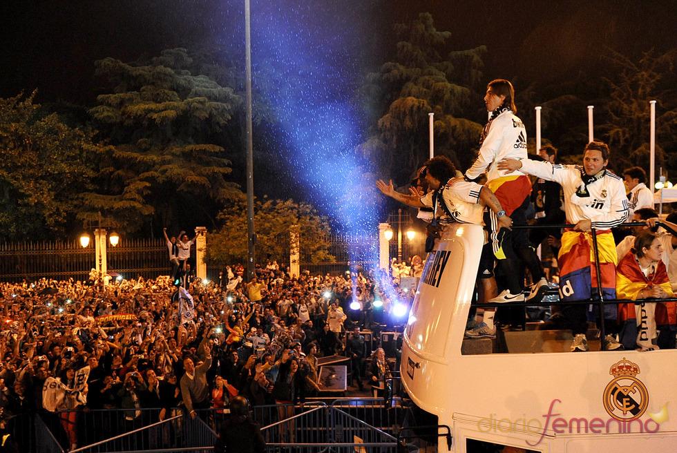 El Real Madrid Viaja Victorioso En Autob S Hasta La Cibeles Gtres