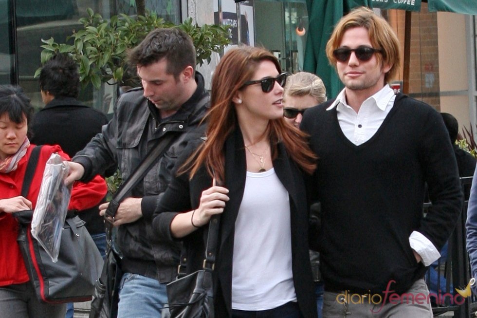 Ashley Greene y Jackson Rathbone juntos en Vancouver
