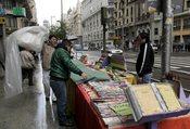 Puestos bajo la lluvia en el Día del Libro de 2011