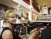 Melanie Griffith vive la Semana Santa en Málaga