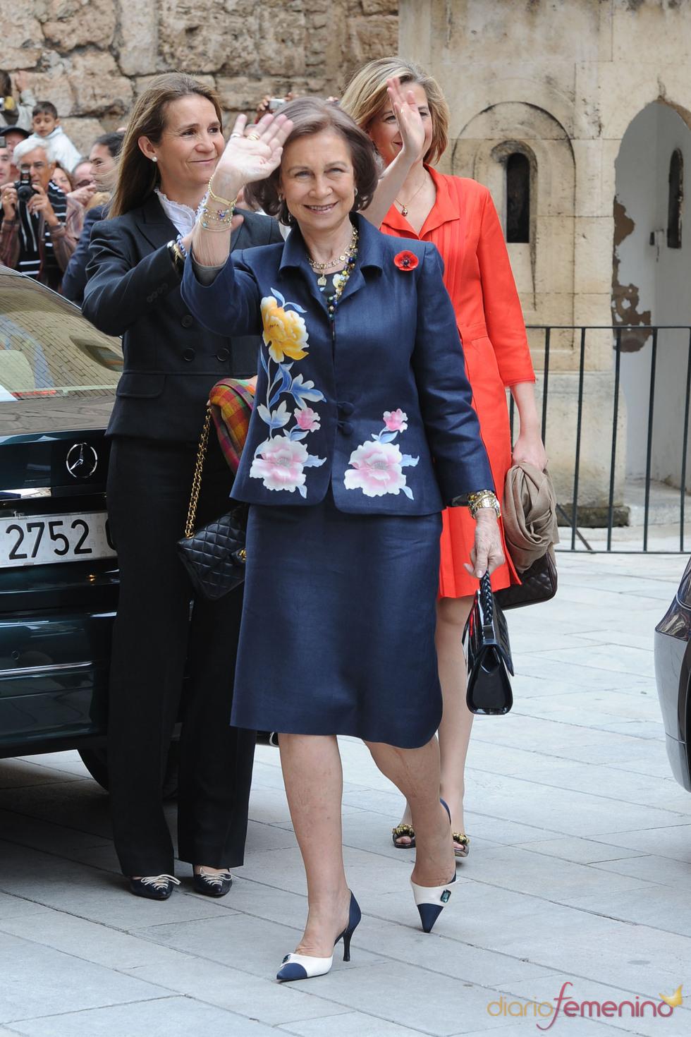 La reina Sofía de Grecia a su llegada a la Catedral de Mallorca por la Pascua