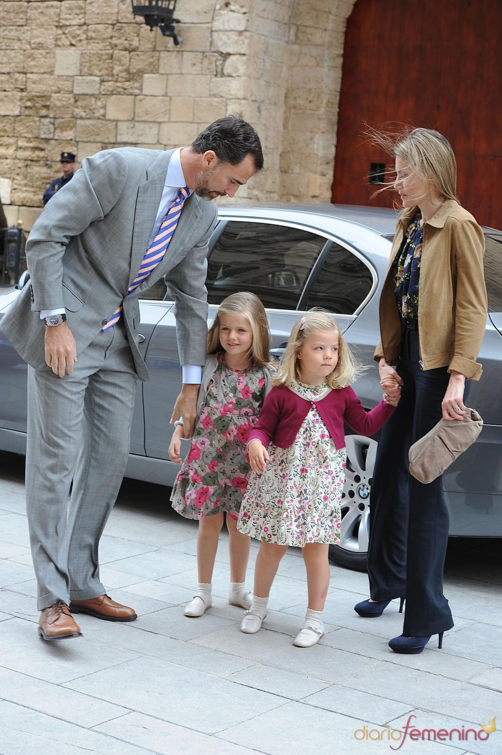 Los Príncipes de Asturias y las infantitas a su llegada a la Catedral de Mallorca