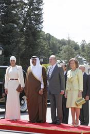 Los Reyes de España con el emir de Qatar y su esposa Mozah