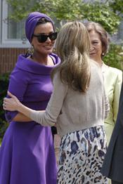 La princesa Letizia saluda a Mozah de Qatar