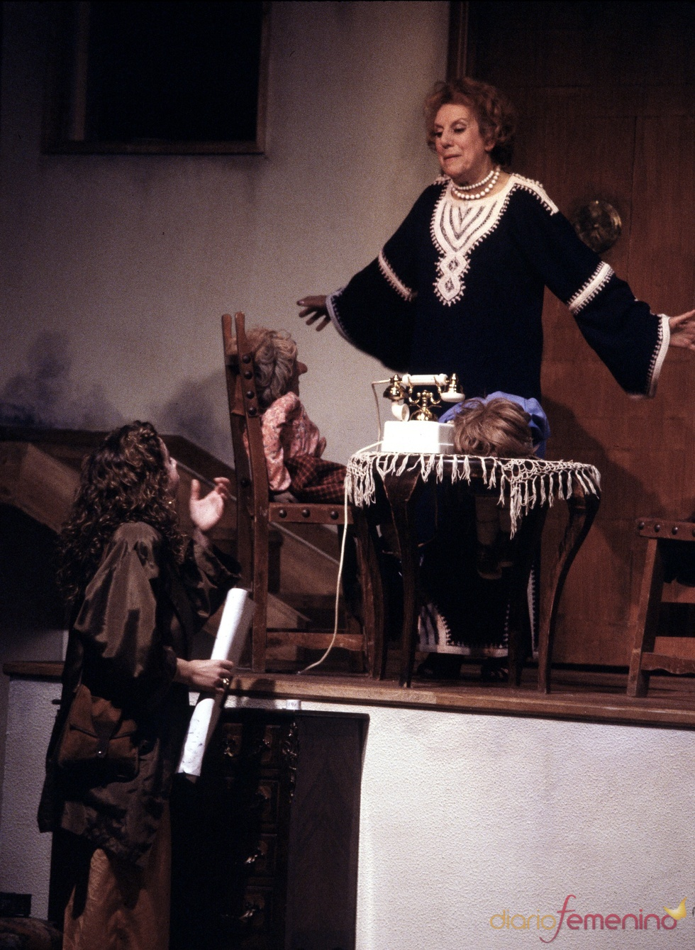María Isbert durante la representación teatral de 'Patatús'