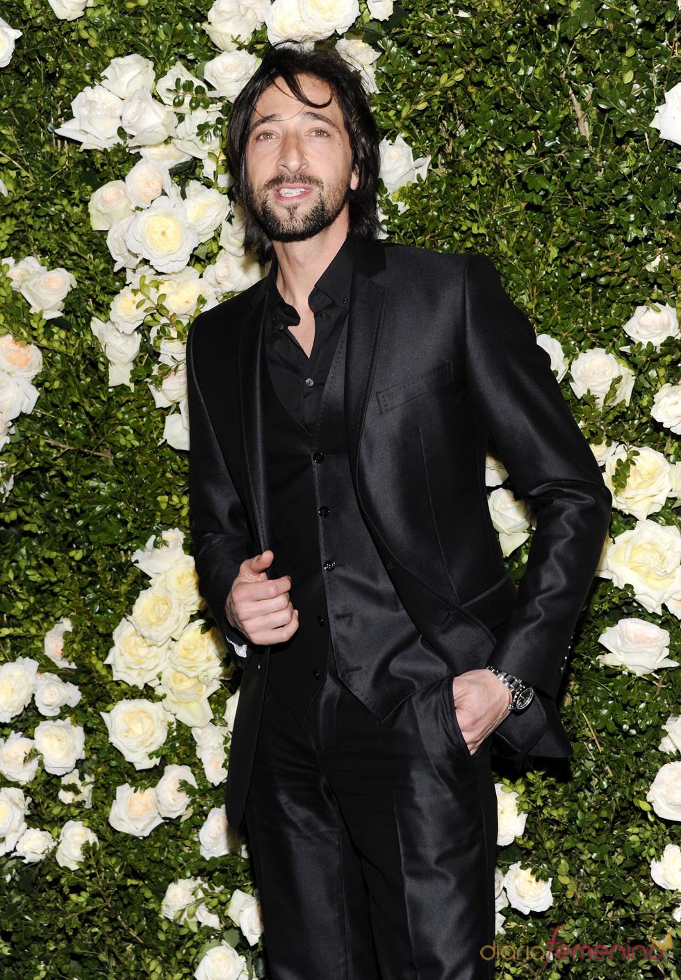 Adrien Brody en una cena organizada por Chanel en Nueva York