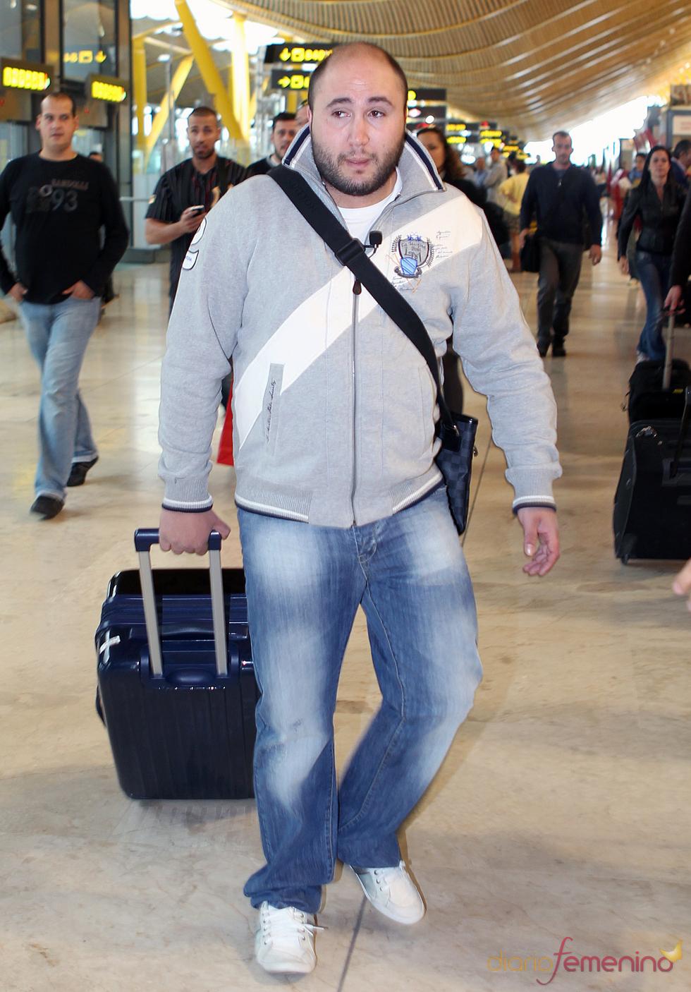 Paquirrín en el aeropuerto de Barajas rumbo a Honduras