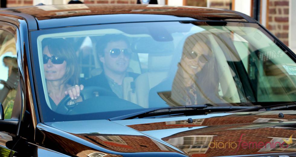 La madre y la hermana de Kate Middleton tras los ensayos generales