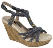 Sandalia de tiras azules de la colección primavera 2011 de Lorena Carreras