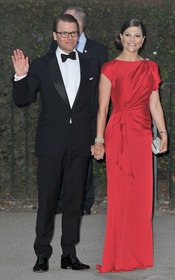 Victoria de Suecia y Daniel Wetling en la cena pre-boda real de Inglaterra