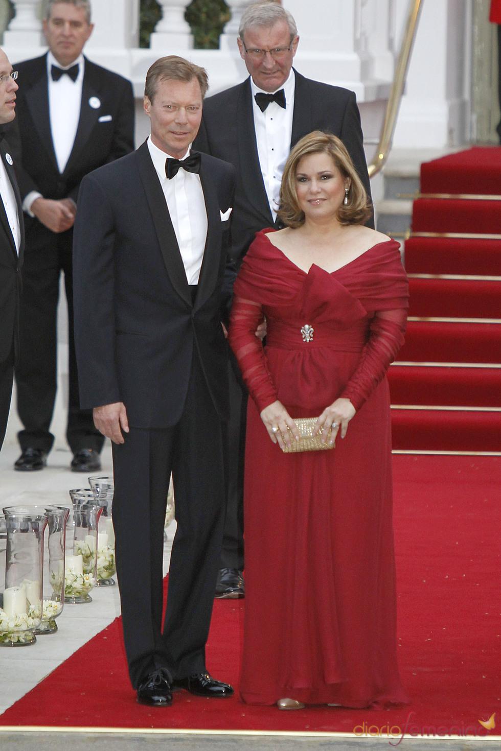 El Gran Duque de Luxemburgo Henri y su mujer María Teresa en la cena pre-boda real